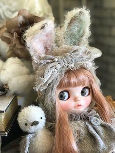 **私のおきにいり** ネオブライスのお洋服とぬ... - ヤフオク! Japanese Toys, Cute Dolls, Blythe Dolls, Baby Dolls, Little Girls, Creatures, Teddy Bear, Happy, Gifts