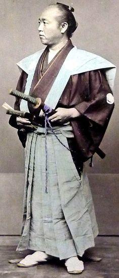 Samurai. Japanese Pics, Japanese Outfits, Vintage Japanese, Japanese Art, Japanese Things, Ronin Samurai, Samurai Weapons, Samurai Swords, Ninja