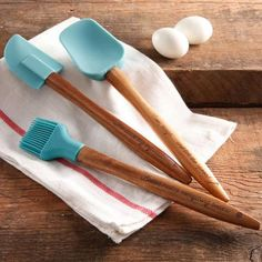 The Pioneer Woman Cowboy Rustic 3-Piece Silicone Head Utensil Set with Acacia Wood Handle - Walmart.com