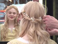 How To Get Elle Fanning's Sleeping Beauty Hair From Maleficent