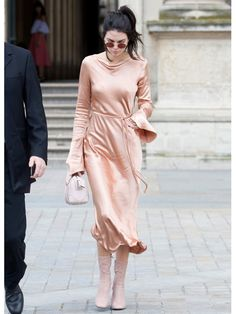Fashion Beauty Express: ピンク好き必見!ケンダル・ジェンナー(Kendall Jenner)に学ぼう!いつまでも着れるピンク...