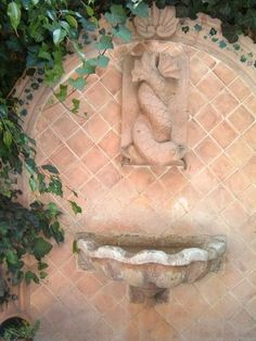 Details of fine hand carved art work on the fountain - Favorite of the Famous House & Garden Tour -  - rentals