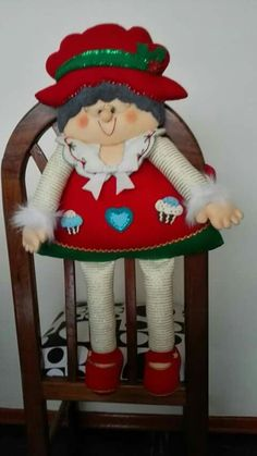 manualidades Elf On The Shelf, Disney Characters, Fictional Characters, Disney Princess, Holiday Decor, Embellishments, Chairs, Home Decor Accessories, Chair Covers