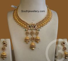 Mango Necklace with Jhumki Pendant - Indian Jewellery Designs Jewelry Design Earrings, Gold Jewellery Design, Designer Jewellery, Unique Earrings, Gold Temple Jewellery, Gold Jewelry, Gold Necklaces, Mango Necklace, Mango Earrings