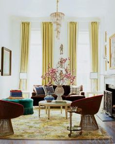 Nanette Lepore, I love the way you hang chartreuse drapes from your tall, tall windows. #drapes #livingroom #green