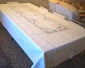 PRICE REDUCED! Preziosa TOVAGLIA puro lino interamente ricamata a mano, intarsi a tombolo, 12+12 tovaglioli, vintage mai usata made in Italy