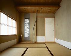 最近はあまり必要とされない和室・・ それでもやっぱり和室があると、客間としても便利ですし、雰囲気がぐっと引き締まります。 自然木をつかった床の間、吊押入・・いかがですか?! 詳しくはHPをご覧ください!…