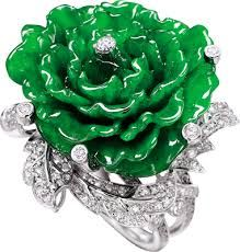 Jade and diamond ring in white gold.