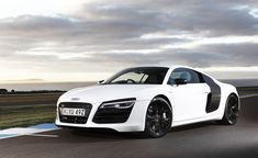 white audi  r8 wallpapers hd - http://69hdwallpapers.com/white-audi-r8-wallpapers-hd/