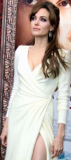 Angelina Jolie                                                                                                                                                      Más