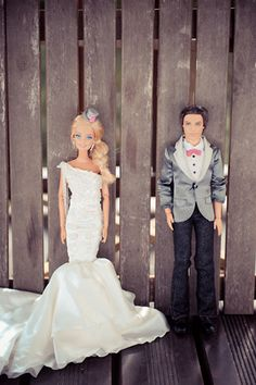 Seriously you have to see the rest of the pictures! They did an entire wedding with Barbie's. It's pretty funny but they're actually really good.