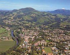Pays Basque : Cambo les bains Basque country, Aquitaine FRANCE pais vasco, francia
