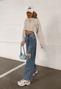 Vintage Outfits, Retro Outfits, Cute Casual Outfits, Outfits With Mom Jeans, Mode Outfits, Fall Outfits, Summer Outfits, Fashion Outfits, Fashion Pants