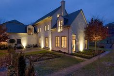 Modern Belgium Farmhouse...Like the clean lines and exterior