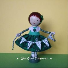 Idea for clothes peg doll holding bunting :-)