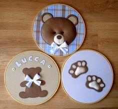 Friendly Felt: Inspiration for teddies Baby Mobile Felt, Felt Baby, Embroidery Hoop Crafts, Baby Embroidery, Felt Garland, Felt Ornaments, Baby Crafts, Felt Crafts, Lucca
