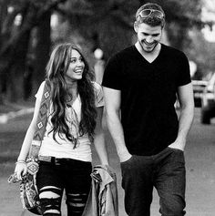 Miley Cyrus & Liam Hemsworth....The Last Song