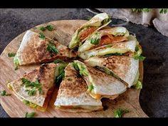 Quesadillas salmon y aguacate Deli Food, Food N, Food And Drink, Real Food Recipes, Cooking Recipes, Healthy Recipes, Healthy Nutrition, Healthy Life, Healthy Food