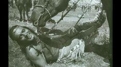 Pierre Brice - Winnetou wird in einer Drehpause von seinem Pferd Ilschi geküsst