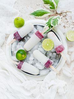 Beereneis mit Joghurt und Limette | http://eatsmarter.de/rezepte/beereneis-mit-joghurt