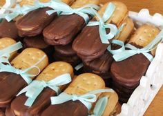 comidinhas para o chá de panela Food N, Food And Drink, Ice Cream Party, Frozen Party, Party Desserts, Sweets Recipes, Gingerbread Cookies, Food Inspiration, Buffet