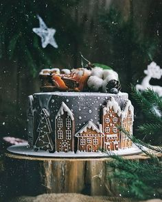 Holiday Recipes Christmas Desserts Gingerbread Cake Ideas For 2019 Christmas Gingerbread House, Christmas Sweets, Christmas Cooking, Noel Christmas, Winter Christmas, Christmas Cakes, Gingerbread Houses, Gingerbread Cookies, Reindeer Cookies