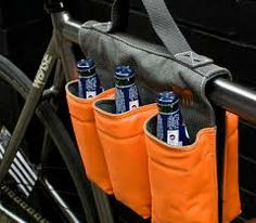 The 6 pack bike bag is a small bag that you can drape over and attach to the middle of your bike so that you can carry 6 beverages at once. No longer will you be riding your bike and after 2 pedal rot. Cool Bicycles, Cool Bikes, Crochet Velo, National Bike Month, Bike Gadgets, Velo Cargo, Gifts For Beer Lovers, Bike Bag, Cool Bike Accessories