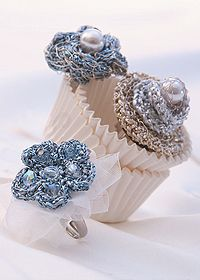 Free Pattern for Crochet flower rings.