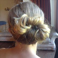 Twist and Chignon Wedding Hair And Makeup, Hair Makeup, Makeup Needs, Wedding Hairstyles, Braids, Blush, Dreadlocks, Hair Styles, Beauty