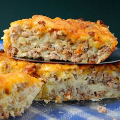 Impossible Cheeseburger pie recipe that is NOT impossible. Easy directions and great outcome! Impossible Cheeseburger pie recipe that is NOT impossible. Easy directions and great outcome! Impossible C Carbquik Recipes, Bisquick Recipes, Amish Recipes, Sausage Recipes, Pie Recipes, Low Carb Recipes, Cooking Recipes, Dinner Recipes, Healthy Recipes
