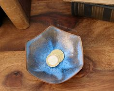 This listing is for a small baby blue enamel-coated copper ring dish. Handmade of copper.  Dimensions: Diameter 100 mm (3.94) Height: 40 mm (1.57)  Weight 100 g (0.22 lb)  In very good vintage condition. ******************************************************************************  Please do not hesitate to contact for any further details.  Also please check the shop policies. This will help to avoid any misunderstanding in communication…