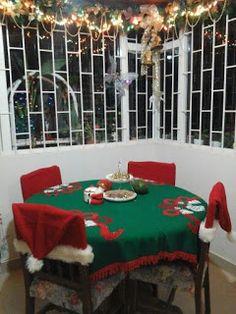 6 Ideas hermosas para hacer manteles navideños en fieltro ~ lodijoella Easy Christmas Decorations, Christmas Table Settings, Christmas Crafts, Merry Christmas, Xmas, Table Decorations, Holiday Decor, Christmas Ideas, Dinner Room