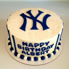 New York Yankees birthday cake - Sweets by Millie
