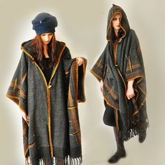 Dark Gray Handwoven Poncho Sold - Accepting custom orders 1 800 00 via Etsy Inspiration Photo Modele Hijab, Mode Abaya, Grey Poncho, Estilo Hippie, Look Street Style, Plus Size Kleidung, Cardigans For Women, Diy Clothes, Plus Size Outfits