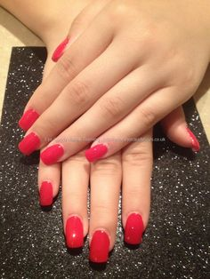 Full set gels with red polish