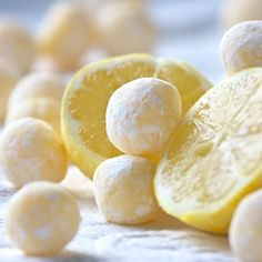 White Chocolate Lemon Trufflesby cheri: Velvety, smooth and perfectly simple. A little taste of sunshine to celebrate spring. #White_Chocolate #Lemon #Truffles #cheri