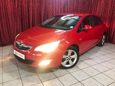 2012 R129 900 Kilos:  122 066 Aircon, Power Steering Radio CD Player / Usb / Aux Electric Windows  Mirrors Mags, Full Service History  Finance Available  Trade In's Welcome! Web: www.motorman.co.za Visit us: Corner Heidelberg  Kerk Street, Nigel E and OE Radio Cd Player, Welcome, Mirrors, Finance, Electric, June, Corner, Windows, History