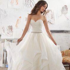 Long Wedding Dress, Organza Wedding Dress, A-Line Bridal Dress, Sleeveless Wedding Dress, Floor-Length Wedding Dress, Sweet Heart Wedding Dress, Backless Wedding Dress, LB0476