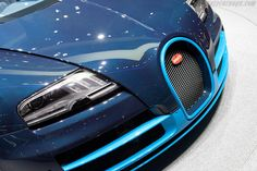 Bugatti Veyron 16.4 Grand Sport Vitesse. Blue Carbon fiber or carbon under blue pearl clear?