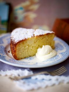 A gluten free sticky lemon cake recipe made with mashed potato! Best Gluten Free Cake Recipe, Healthy Cake Recipes, Dessert Cake Recipes, Gluten Free Cakes, Lemon Recipes, Gluten Free Baking, Gluten Free Desserts, Sweet Recipes, Lemon Desserts