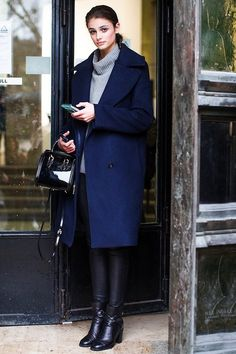 Model-Off-Duty Style: Get Taylor Marie Hill's Cozy Chic Look