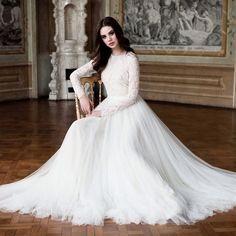 Elegant. Wedding dress Long sleeves
