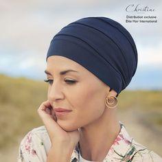 Le Bonnet chimio Moon, de la ligne Soft Line est conçu en fine laine associée à la technologie révolutionnaire 37.5® : une ligne pensée pour l'équilibre de la température de votre corps. Grâce à cette technologie, le Bonnet Moon est ultra-léger... Un atout pour votre confort !  #bonnet #turbans #foulard #chapeau #chimio #cancer #fightcancer #hair #solaire #coton #tissu #imprimée #motif #bambou #lin #bio #cheveu #elitehair #femmes #hommes #christine Turbans, Bonnet Crochet, Ethno Style, Winter Baby Clothes, Becca, Head Wraps, Hair Accessories, Boutique, Hats