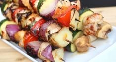 Juicy & Tender Grilled Chicken Souvlaki recipe that's great on pita, tortilla or salads. Souvlaki Recipe, Greek Chicken Souvlaki, Grilled Chicken Tenders, Greece Food, Mediterranean Chicken, Food For Thought, Food And Drink, Healthy Eating, Yummy Food