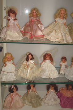 Nancy Ann Storybook Dolls ... We had these dolls as kids. Wish I had them now. I loved playing with them.