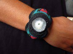 Brazalete de macrame etnico, cuarzo solar, piedra energética, semi preciosa. Ethnic Macrame Bracelet, solar quartz de the4lmnts en Etsy