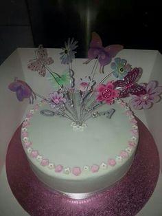 Pretty Holy Communion Cake.
