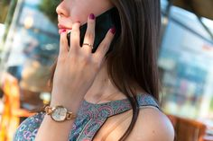 Taking calls has become problematic? Check out these solutions if your Android only works on speakerphone. Pearl City Hawaii, Semiconductor Manufacturing, Doterra Wellness Advocate, Massage Envy, Talking On The Phone, Android, Girls Hand, Home Based Business, Travel Abroad