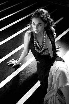 Rani Mukherjee. Nice dress and look.