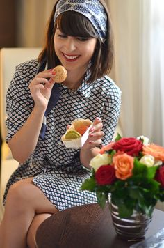 Eating delicious macarons at the Hyatt Regency Paris Etoile hôtel - Hello it's Valentine